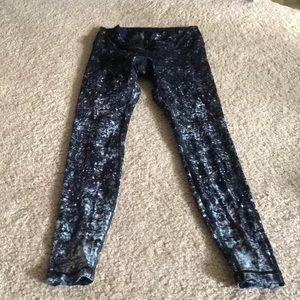 NWOT Lululemon size 6 special edition leggings
